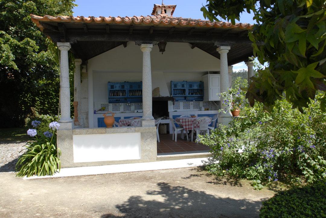 Sommerküche Kochen Und Genießen : Sommerküche mit grillen genießen feiern in portugal