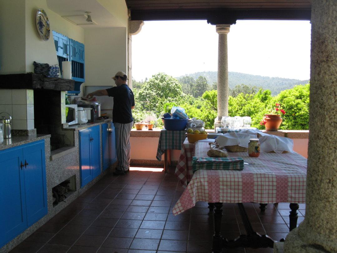 Sommerküche Kochen : Sommerküche mit grillen genießen feiern in portugal
